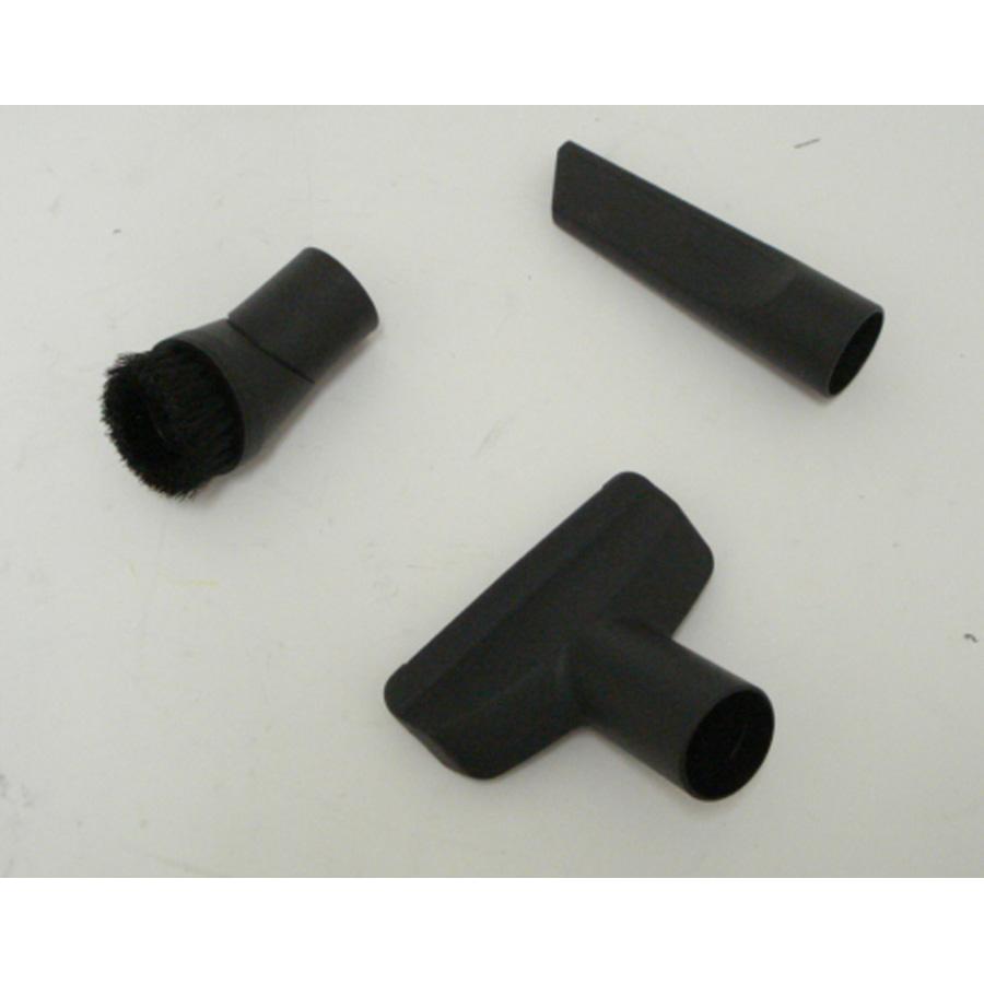 Miele Compact C1 Ecoline - 3 accessoires livrés avec l'appareil : brosse à meubles, brosse textile et suceur