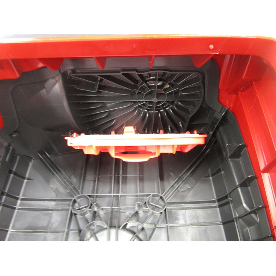 Miele Compact C2 Rouge EcoLine SDAP4 - Filtre entrée moteur sorti