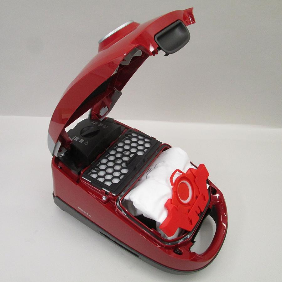 Miele Compact C2 Rouge EcoLine SDAP4 - Compartiment à sac ouvert