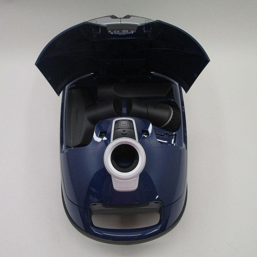 Miele Complete C3 Excellence Ecoline SGSP3 - Compartiment de rangement des accessoires
