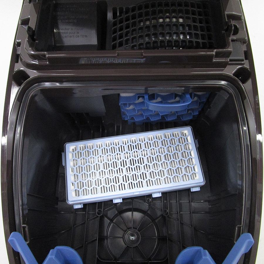 Miele Complete C3 Hardfloor Ecoline SGSP3 - Filtre sortie moteur sorti