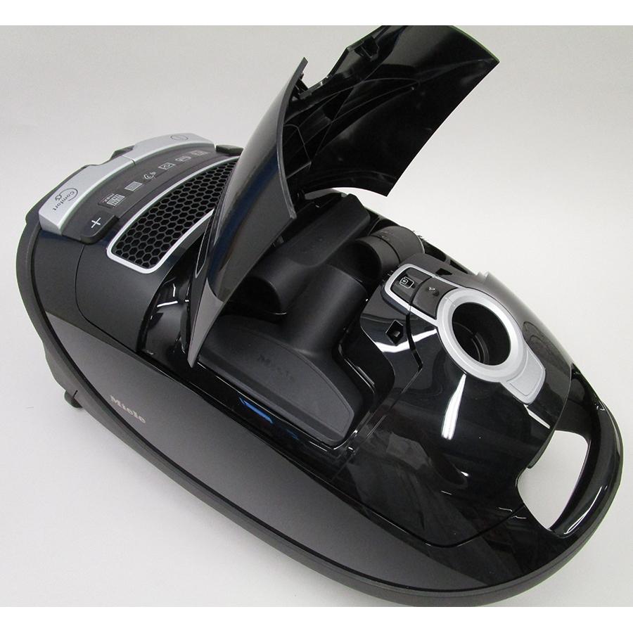 Miele Complete C3 Score Black EcoLine SGDP3 - Compartiment de rangement des accessoires