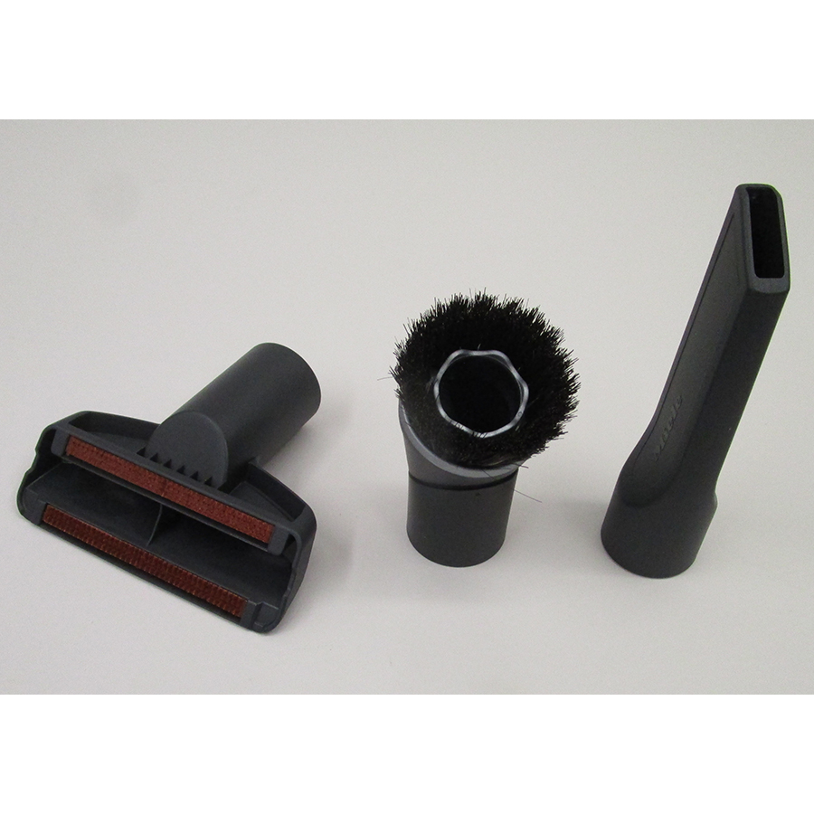 Miele Complete C3 Score Red EcoLine SGDP3 - 3 accessoires livrés avec l'appareil : brosse à meubles, brosse textile et suceur