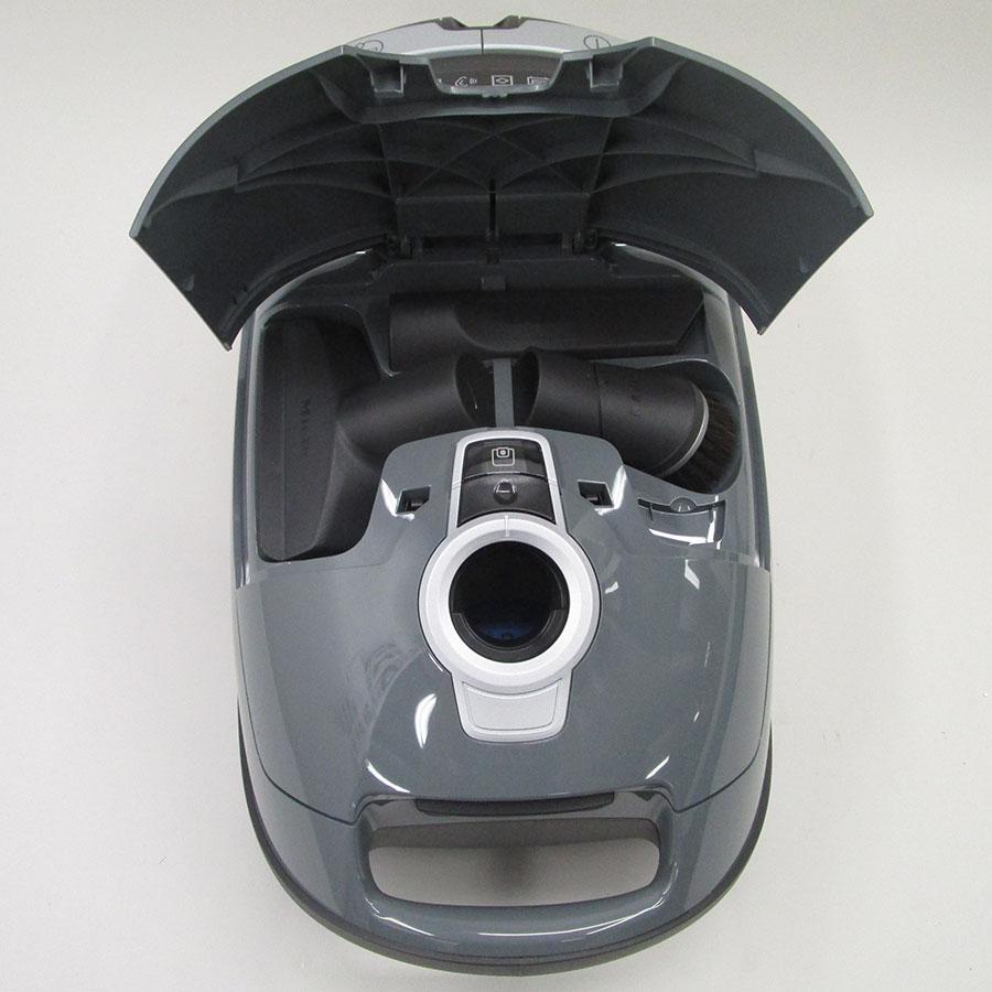 Miele Complete C3 Silence Hardfloor SGSK3 - Compartiment de rangement des accessoires