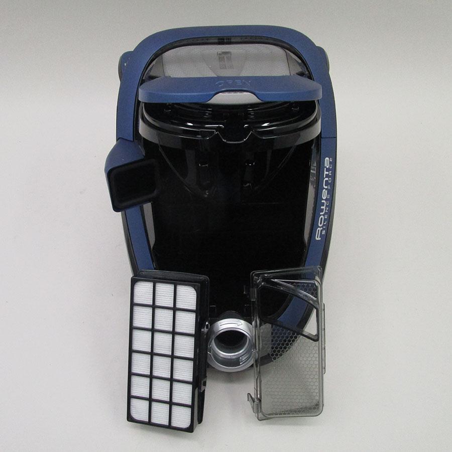 "Rowenta RO7681EA Silence Force Cyclonic 4A ""Animal Care Pro"" - Filtre entrée moteur sorti"