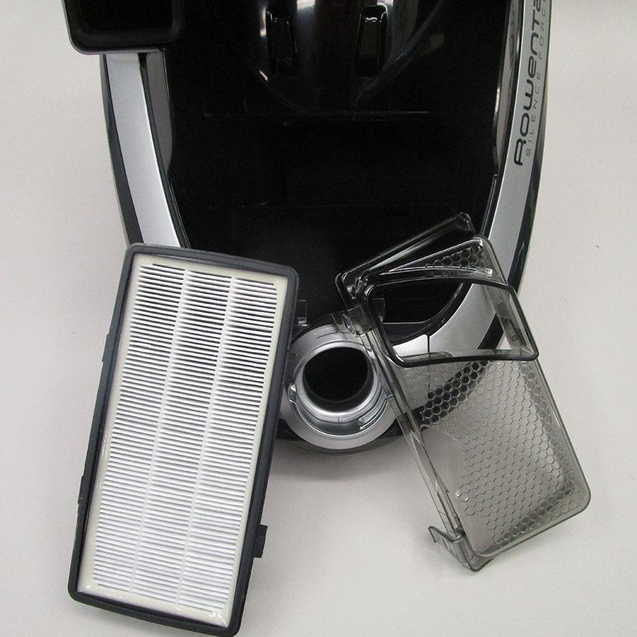Rowenta RO7686EA Silence Force Cyclonic 4A+ Home & Car Pro - Filtre entrée moteur sorti