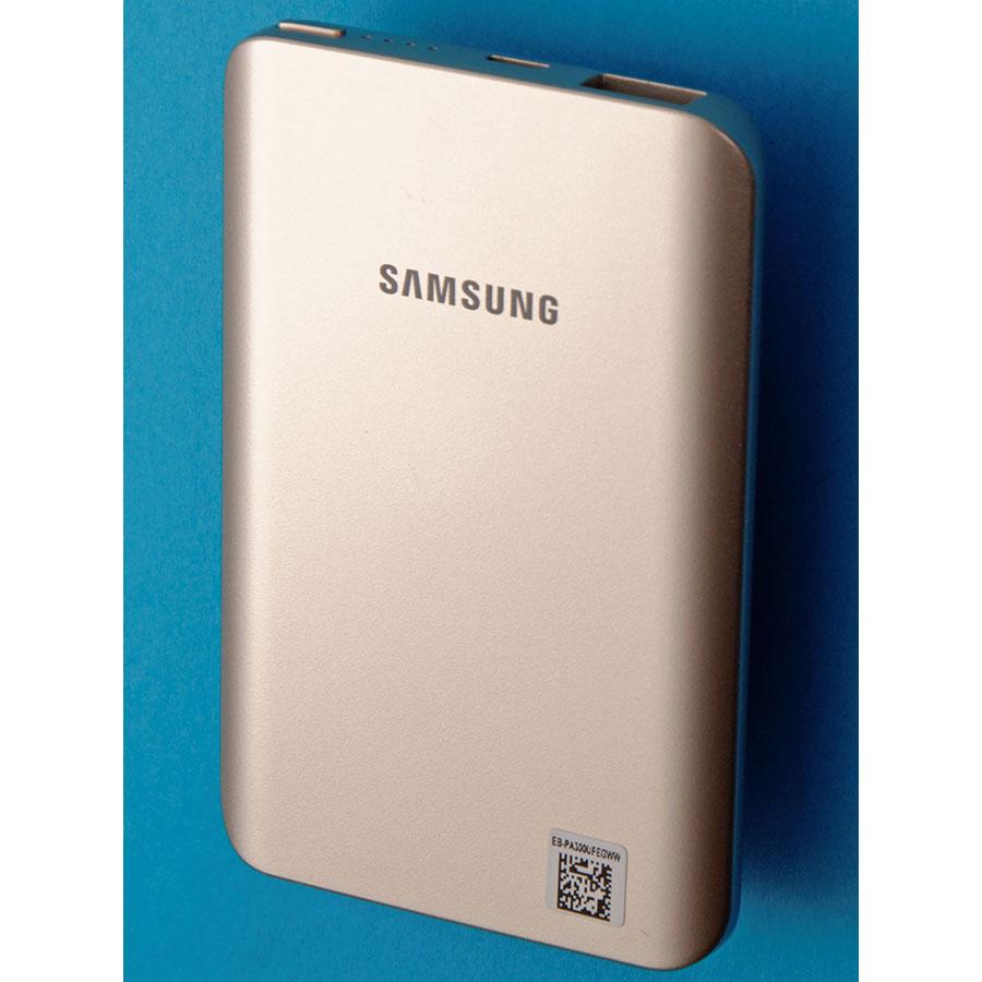 Samsung EB-PA300U -