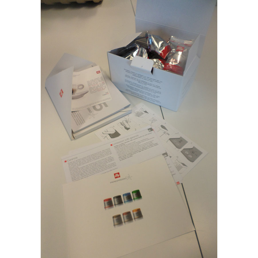 Francis Francis Illy Iperespresso Y5 noire 6738 - Notice et capsules de dégustation