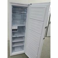 Beko RFNE312E33X - Intérieur du congélateur sans les tiroirs