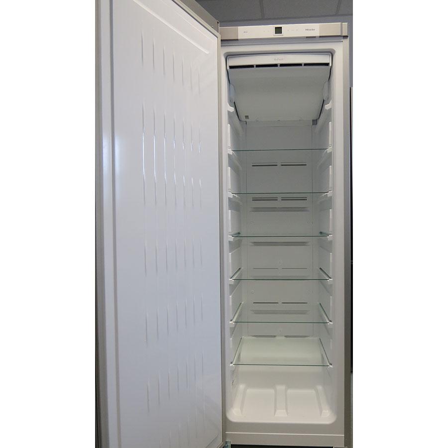 Miele FN28262 edt/cs - Intérieur du congélateur sans les tiroirs