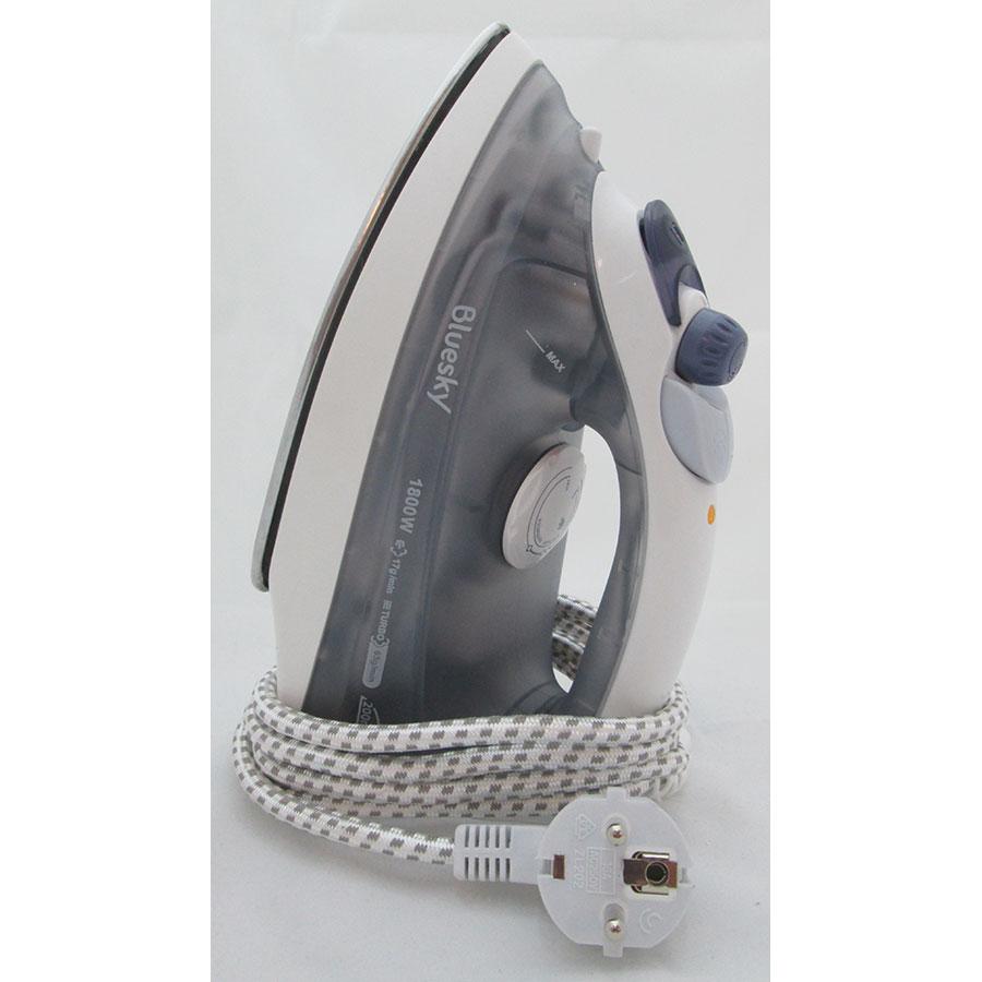 Bluesky (Carrefour) BSI2100-15 - Système de rangement du cordon électrique autour du talon