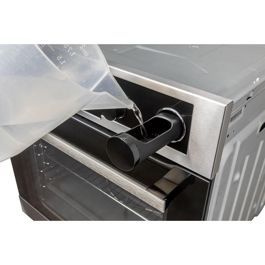 Electrolux EOC6631TOX - Remplissage du réservoir d'eau pour le four vapeur