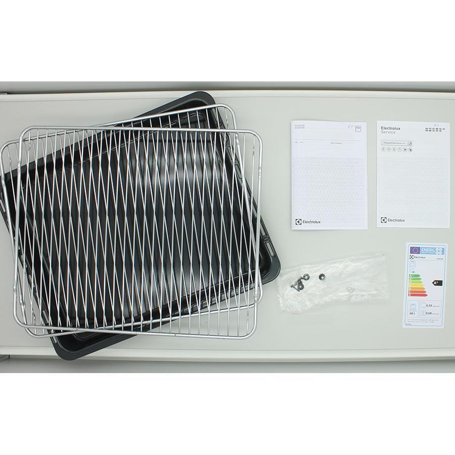 Electrolux EOZ5700BOX(*7*) - Accessoires et notices livrés avec le four