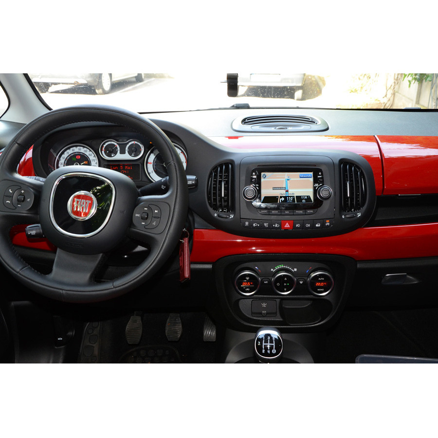 test fiat 500l tomtom fiat u connect gps embarqu s ufc que choisir. Black Bedroom Furniture Sets. Home Design Ideas