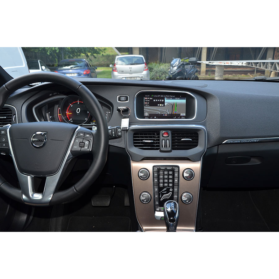 test volvo sensus navigation v40 cross country d3. Black Bedroom Furniture Sets. Home Design Ideas
