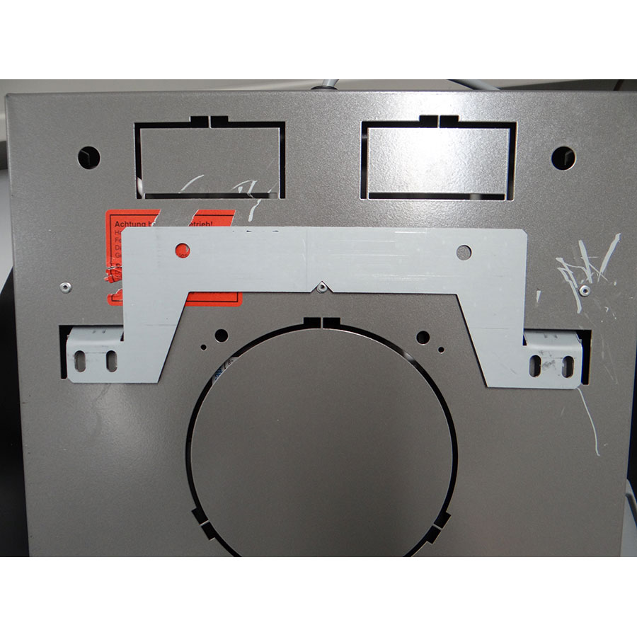 Miele DA6096W NR - Système de fixation