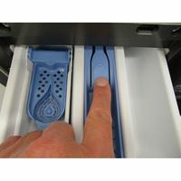 Beko HTV8736XC0M - Bouton de retrait du bac à produits