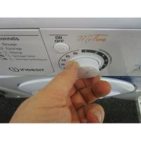 Indesit EWDC6145W FR(*17*) - Visibilité du sélecteur de programme