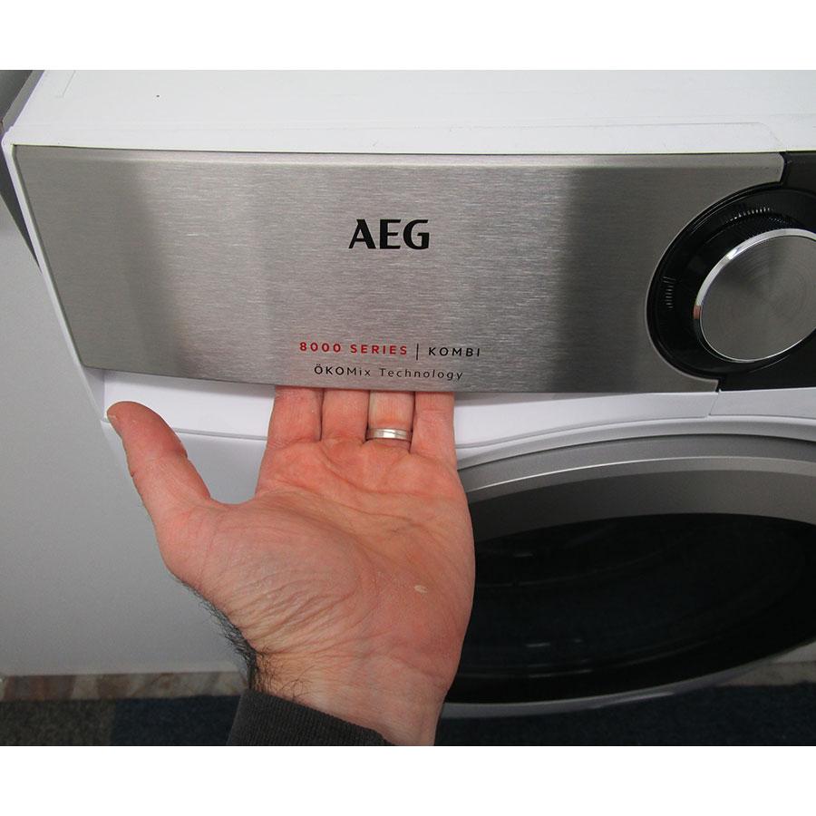 AEG L8WED164C(*12*) - Ouverture du tiroir à détergents
