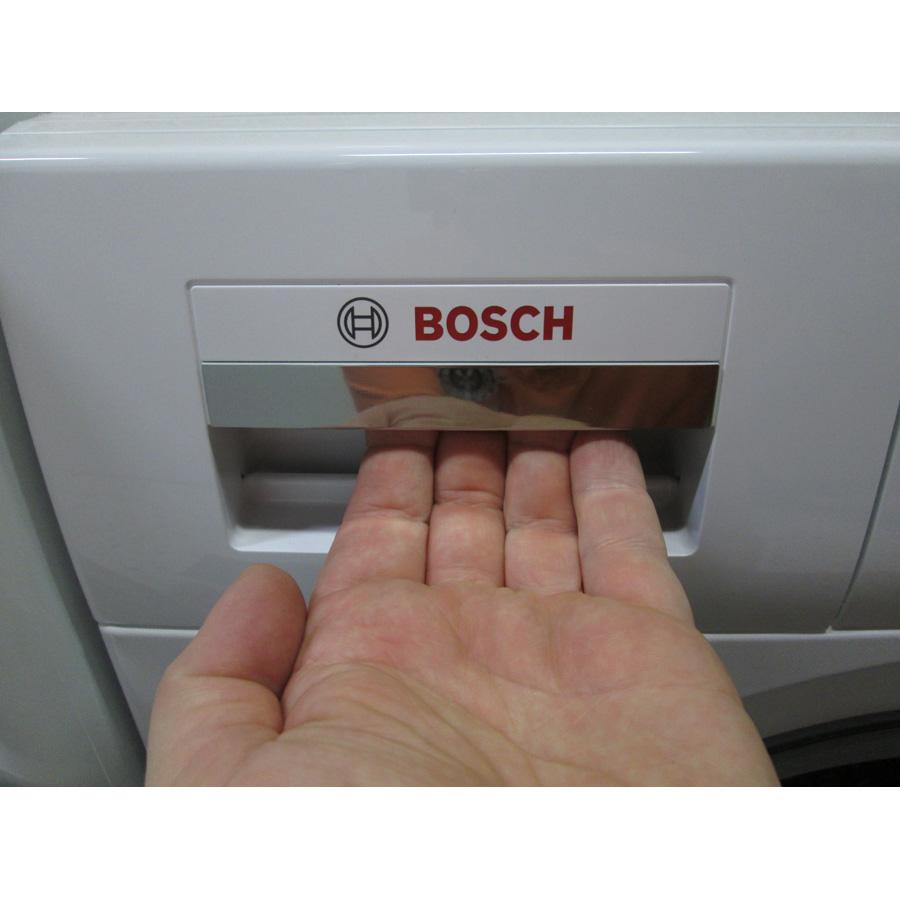 Bosch WVH28461FF(*18*) - Ouverture du bac à produits.