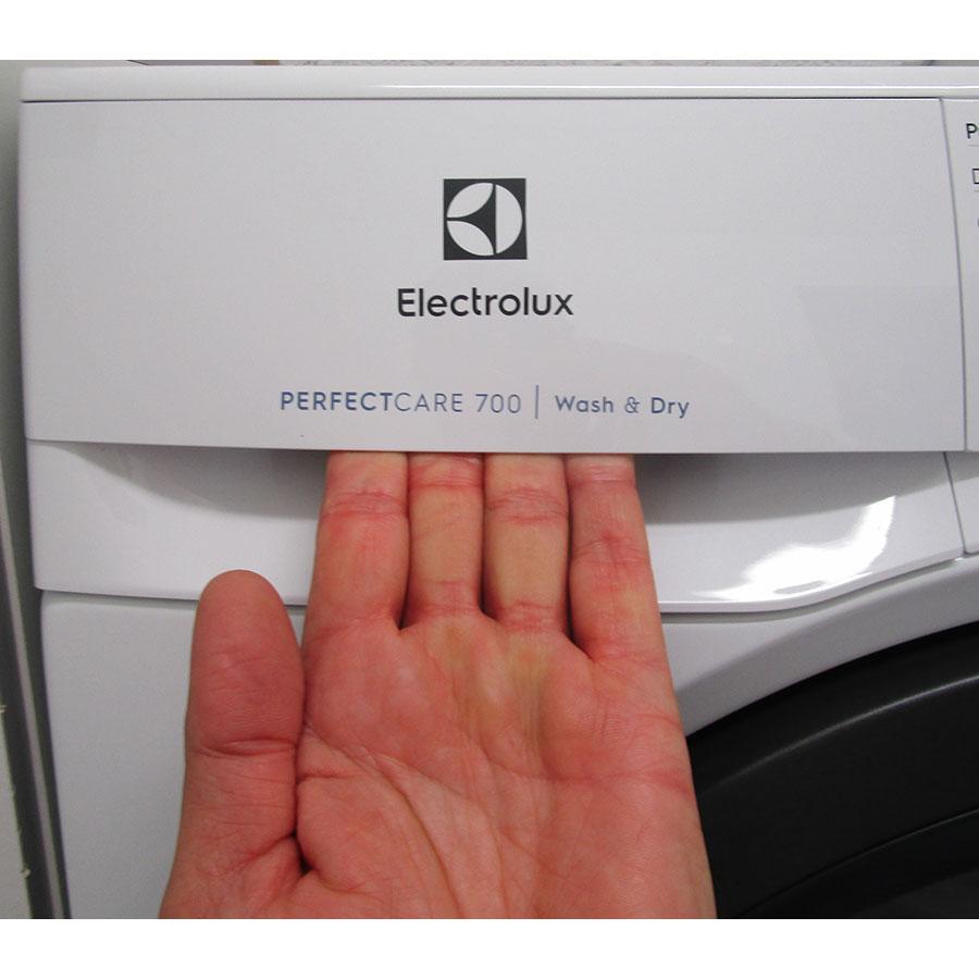 Electrolux EW7W3924SP - Ouverture du tiroir à détergents