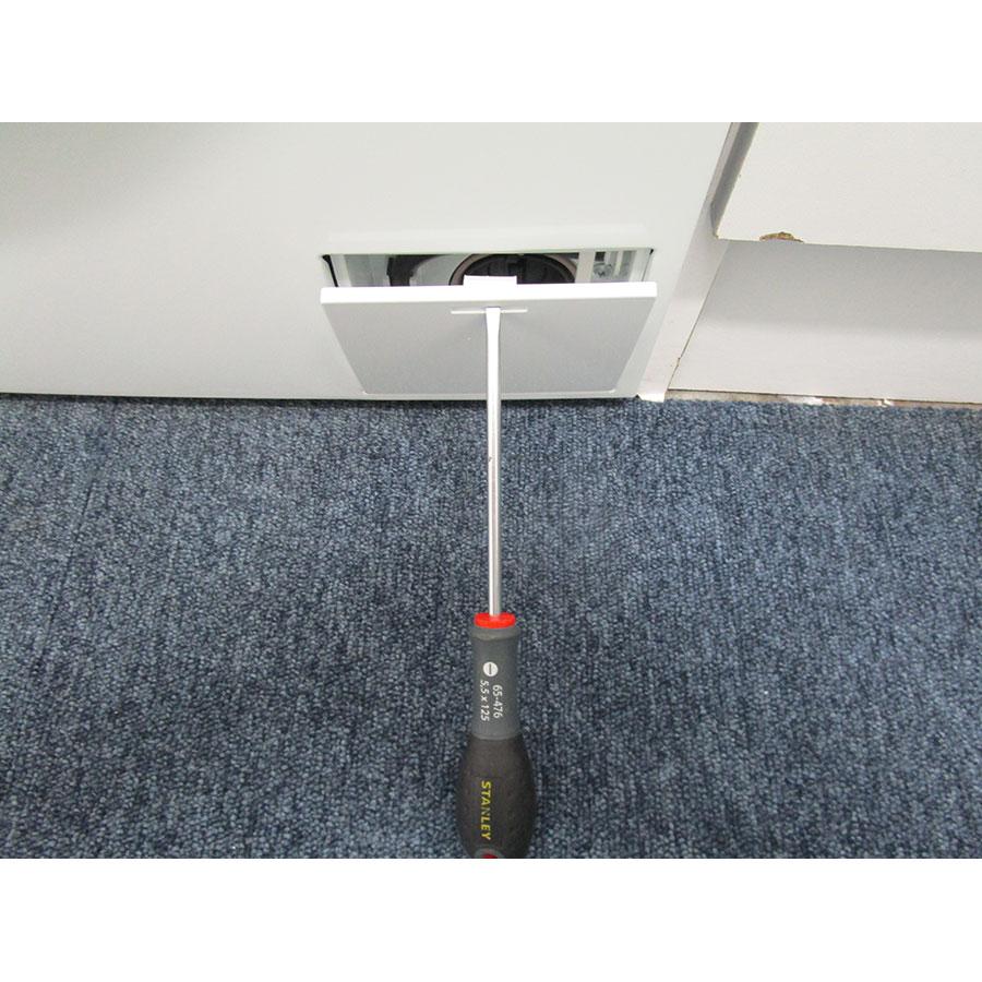 Haier HWD90-BP14636 - Outil nécessaire pour accéder au filtre de vidange