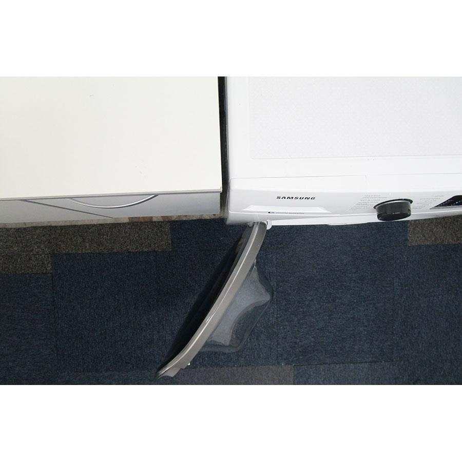 Samsung WD80J5430AW - Angle d'ouverture de la porte