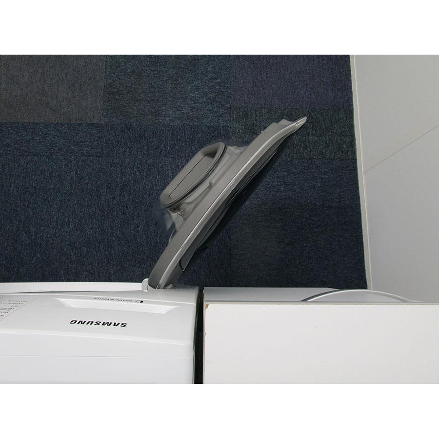 Samsung WD80K5B10OW - Angle d'ouverture de la porte
