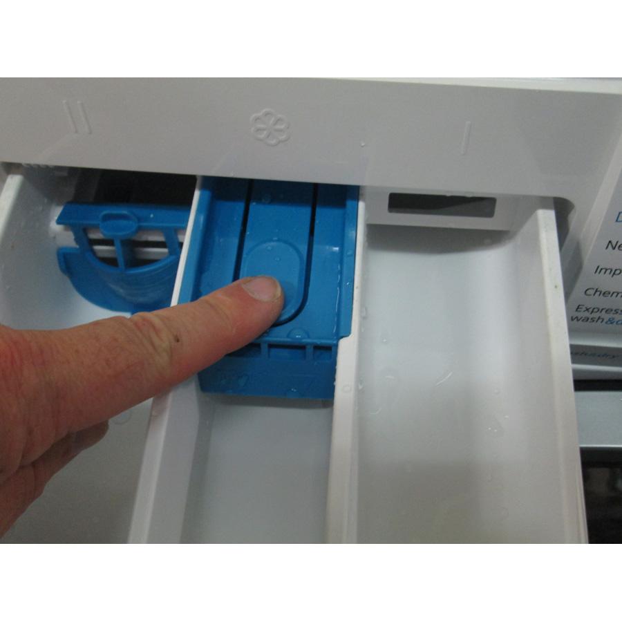 Siemens WD14H462FF(*19*) - Démontage du bac à produits.