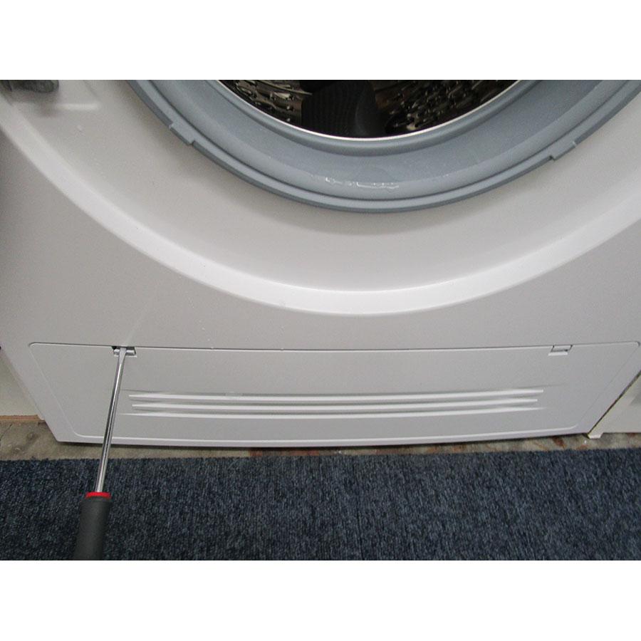 Siemens WD14H464FF - Outil nécessaire pour accéder au filtre de vidange