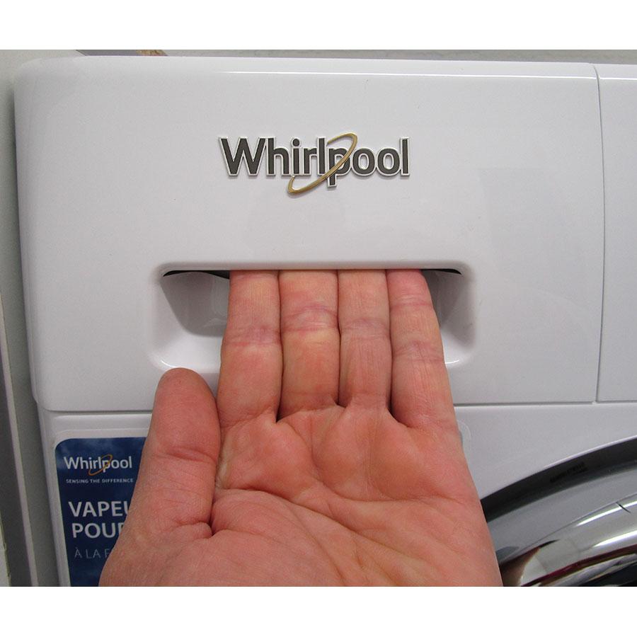 Whirlpool FWDG97168BXFR - Ouverture du tiroir à détergents