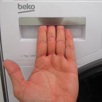 Beko WTV7744XWDOS - Ouverture du tiroir à détergents