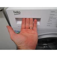 Beko WTV8712BS0W - Ouverture du tiroir à détergents