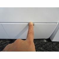 Bosch WAE28217FF Série 2 - Ouverture de la trappe du filtre de vidange