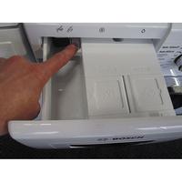 Bosch WAWH2660FF Home Connect Série 8(*34*) - Bouton de retrait du bac à produits