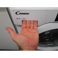 Candy CBWM814D-S - Ouverture du tiroir à détergents