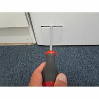 Candy CSTG384D - Outil nécessaire pour accéder au filtre de vidange
