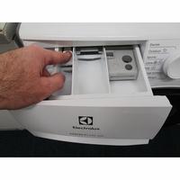 Electrolux EW6F4840SP(*10*) - Bouton de retrait du bac à produits