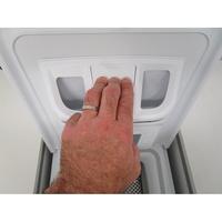 Indesit BTWD61253 - Bouton de retrait du bac à produits