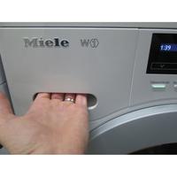 Miele WKB120 - Ouverture du tiroir à détergents