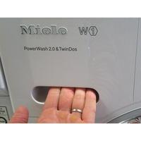 Miele WKH121 WPS W1 ChromeEdition - PowerWash 2.0 & TwinDos - Ouverture du tiroir à détergents