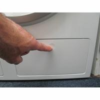 Miele WWE860WPS AllWater - Ouverture du distributeur de lessive liquide intégré