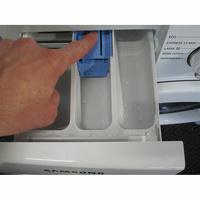 Samsung WW70J3467KW - Bouton de retrait du bac à produits
