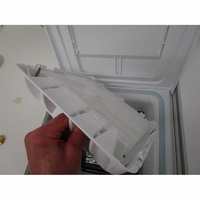 Vedette VT602B - Retrait du bac à produit