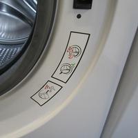 Whirlpool FSCR12443 6ème Sense Live(*37*) - Autocollant des préconisations d'entretien