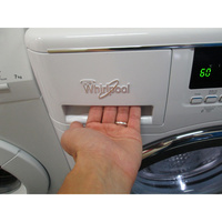 Whirlpool SPA1000 6ème Sens InfiniteCare - Ouverture du tiroir à détergents