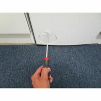Whirlpool TDLR65230 - Outil nécessaire pour accéder au filtre de vidange