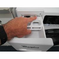 Whirlpool ZEN8 - Bouton de retrait du bac à produits