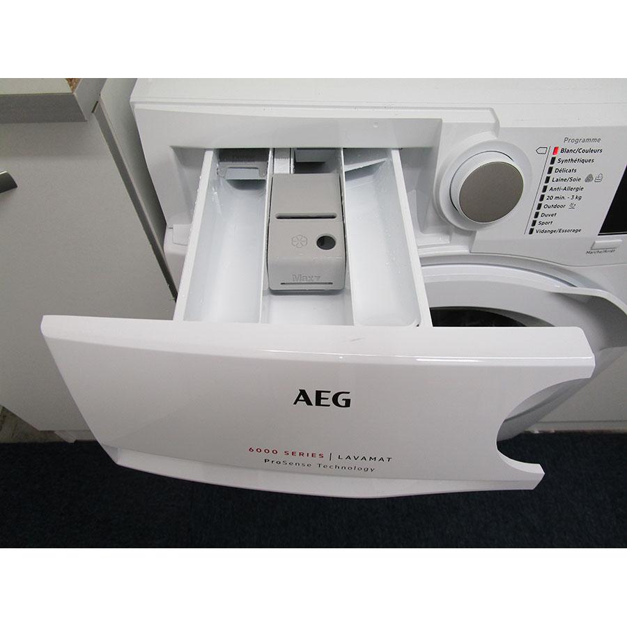 AEG L6FBR842G - Accessoire pour lessive liquide