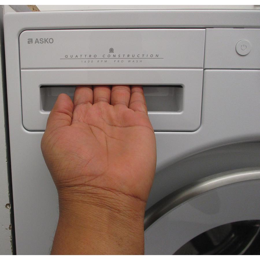Asko W2096P.W/2 - Ouverture du tiroir à détergents